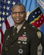 Link to biography of Command Sergeant Major, Michael L. Gragg
