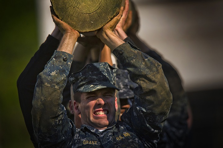 Midshipmen from the U.S Naval Academy Class of 2016 conduct a log carrying exercise. (U.S. Navy photo by Mass Communication Specialist 2nd Class Todd Frantom)